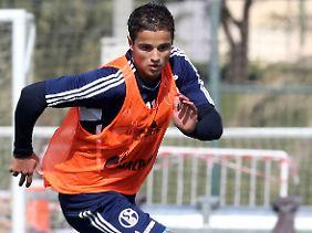 Ibrahim Afellay ist einer von fünf Spielern, die den Schalkern zum Rückrundenstart fehlen werden.
