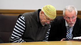 Der Angeklagte Dieter Karl F. soll vor fast 34 Jahren eine Schülerin erwürgt haben.