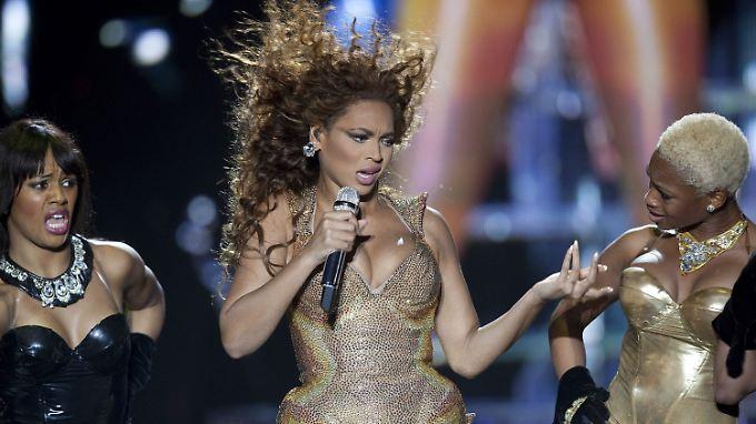 Beyoncé singt bei Obamas zweiter Inauguration die US-Nationalhymne.