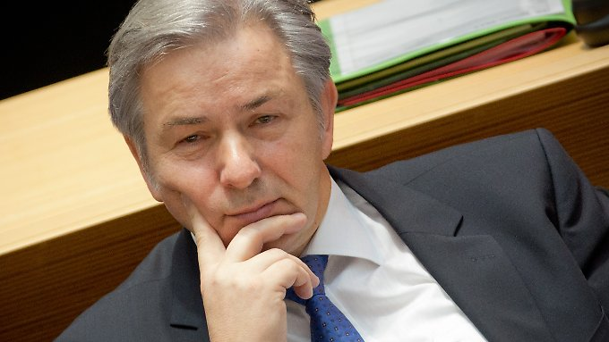 Sind seine Tage als Regierender Bürgermeister von Berlin gezählt? Klaus Wowereit lehnt einen Rücktritt bisher ab.
