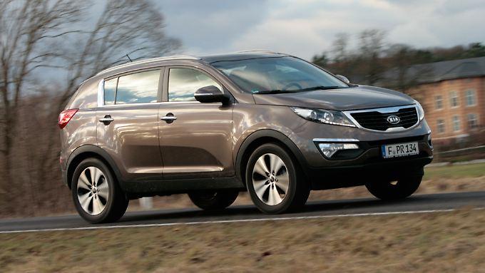 Die Robuste Beplankung sorgt auch beim Fronttriebs-Modell des Kia Sportage für eine authentische SUV-Optik.