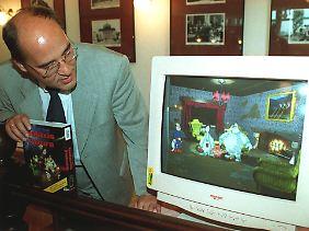 """Betrachtung einer Szene aus dem Computerspiel """"Captain Gysi - Galaxis Futura"""". Das Spiel ist eine Polit-Satire zur Bundestagswahl 1998."""