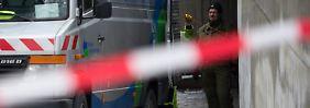 Von diesem Fahrzeug aus wird ein Roboter gesteuert, der die Tiefgarage auf Gefahren hin untersucht.