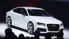 Mit dem RS7 präsentiert Audi in Detroit einen echten Renner. Mit 560 PS und einer Höchstgeschwindigkeit von 305 km/h dürfte er der US-amerikanischen Straßenverkehrsordnung ein echter Dorn im Auge sein.