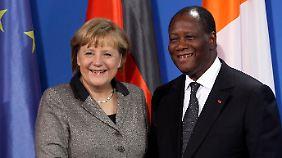 Angela Merkel begrüßte Alassane Outtara im Kanzleramt.