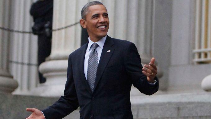 Obama auf dem Weg zur Verabschiedung des bisherigen Finanzministers Geithner.
