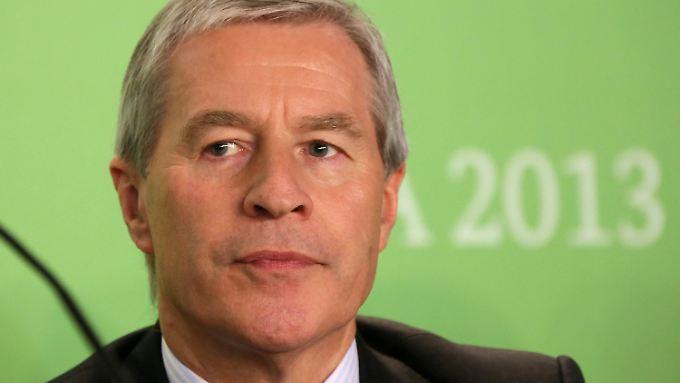 Bankchef Fitschen hat sich für seine Ankündigung die Pressekonferenz des Global Forum for Food und Agriculture auf der Grünen Woche ausgesucht.