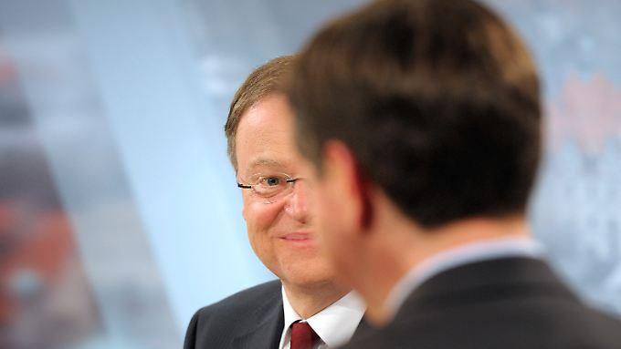 Stephan Weil (l.) und David McAllister bei einem gemeinsamen Auftritt in der langen Wahlnacht.