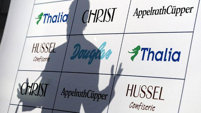 Markenlogos der Douglas Holding AG.