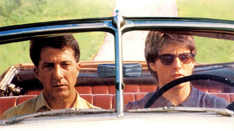 ... Dustin Hoffman und Tom Cruise in den Hauptrollen. Die Reihe ließe sich unentwegt fortsetzen. Wer sein Lieblingsauto, seinen Lieblingsfilm, in dem ein Auto eine wichtige Rolle spielte, hier nicht gefunden hat, den bittet der Autor um Entschuldigung, aber irgendwann muss auch mal Schluss sein.