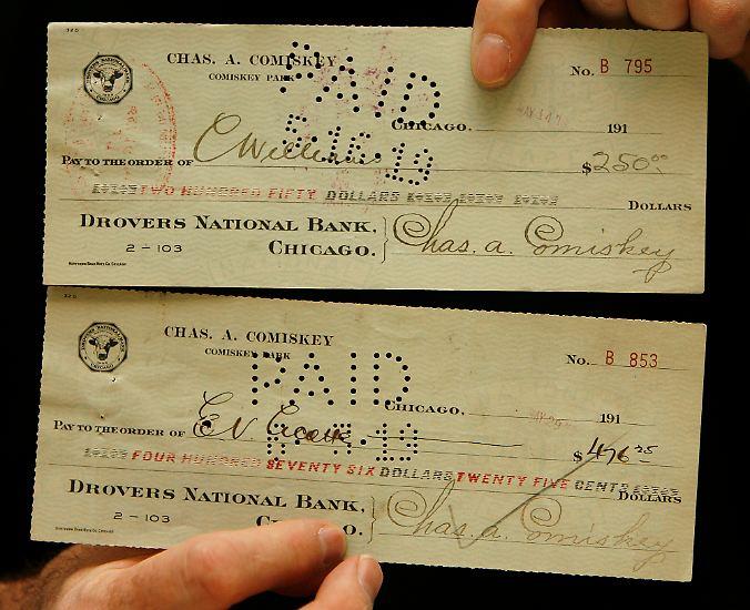 ... einen 100.000 US-Dollar-Deal mit mafiösen Zockern gemacht und die World Series (damals das größte nationale Sportereignis der USA) manipuliert hatten.
