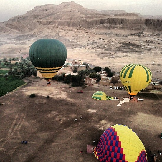 Der Absturz eines Heißluftballons hat 19 Menschen im ägyptischen Touristenort Luxor das Leben gekostet.