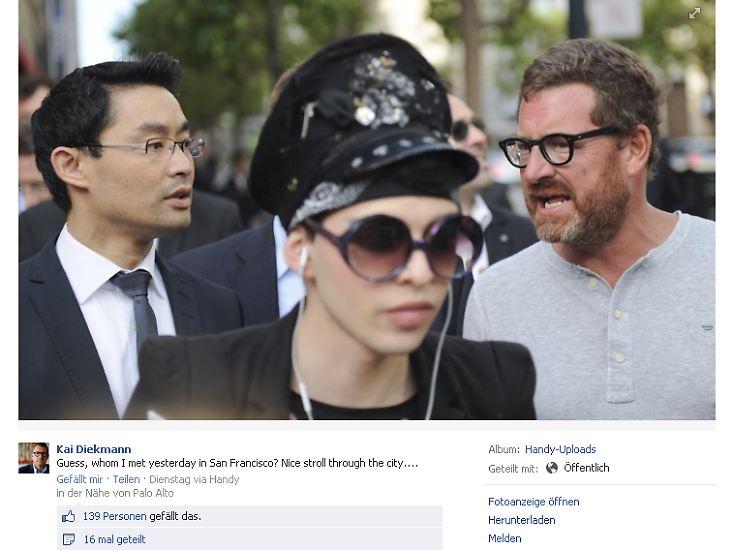 """""""Ratet mal, wen ich gestern in San Francisco getroffen habe?"""" schreibt """"Bild""""-Chef Kai Diekmann auf Facebook und postet ein Foto mit dem Wirtschaftsminister."""