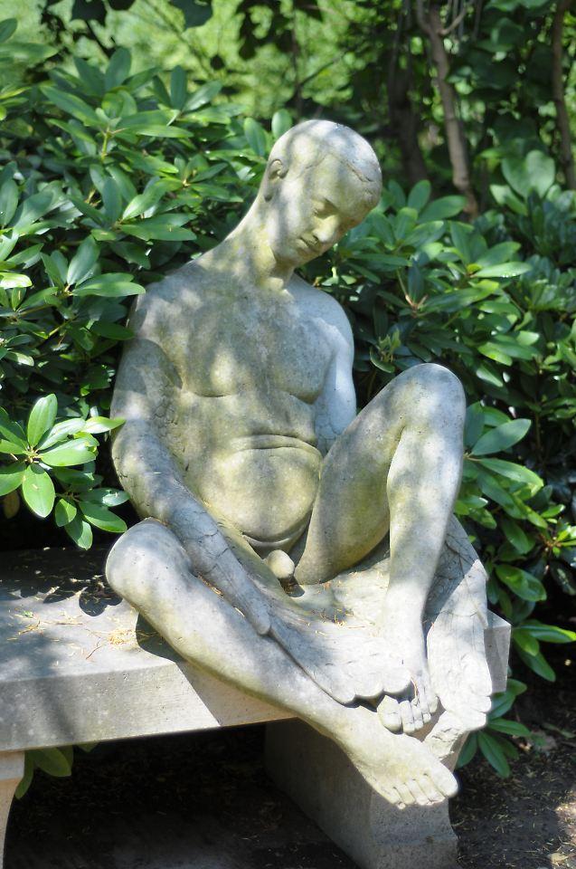 Wolfgang joop penis statue