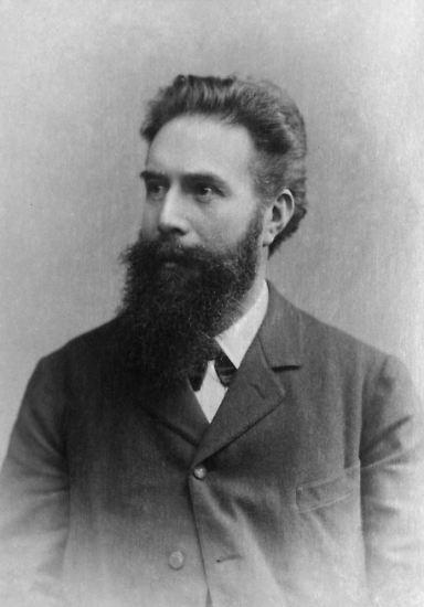Es ist schon eine faszinierende Entdeckung, die Wilhelm Conrad Röntgen 1895 gemacht hat, ...