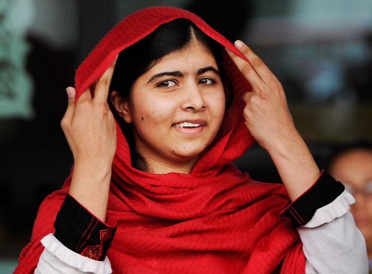 Es handelt sich um die pakistanische Jugendliche Malala Yousafzai.