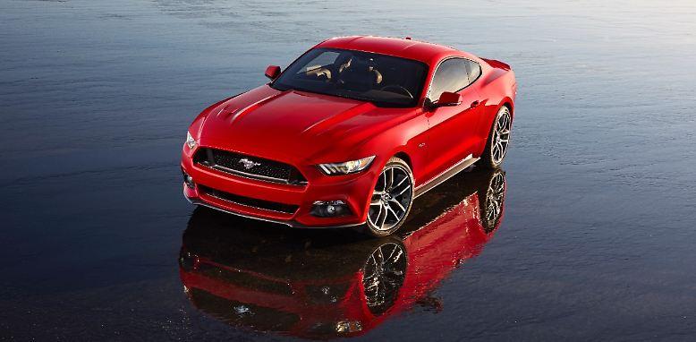 Die Einführung neuer Modelle auf dem europäischen Markt hat sich bei Ford etwas verschoben. 2014 wollen es die Amerikaner aber richtig krachen lassen. Zu seinem 50. Geburtstag eröffnet auch gleich das Kultauto, der Mustang, den Reigen der Neuvorstellungen.