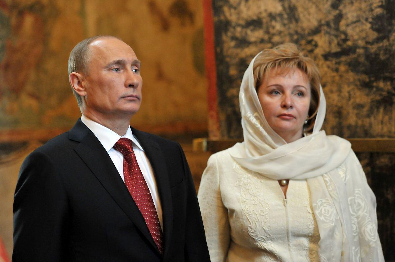 wladimir putin und seine frau ljudmilla im mai 2012 nach putins amtseinfhrung in der kathedrale in - Putin Lebenslauf