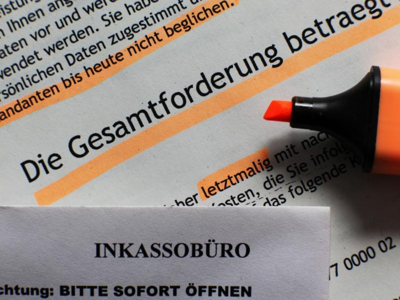 Inkasso-Schreiben sorgen häufig für Angstschweiß und Panik. Trotzdem sollte  man einen kühlen Kopf