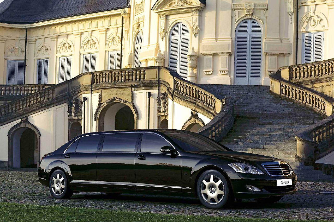 my car is my castle gepanzerte autos sind gefragt n. Black Bedroom Furniture Sets. Home Design Ideas