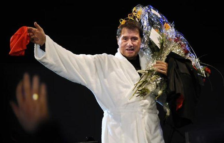 Ein Legende tritt ab: Plötzlich und unerwartet stirbt der Sänger, Komponist, Entertainer und Schauspieler Udo Jürgens.