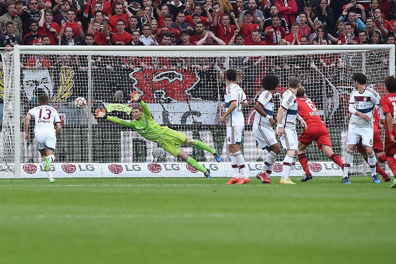 """""""Wir haben dominiert, was normalerweise nicht der Fall ist."""" (Bayer Leverkusens Sportdirektor Rudi Völler nach dem 2:0 gegen eine bessere B-Mannschaft von Bayern München)"""