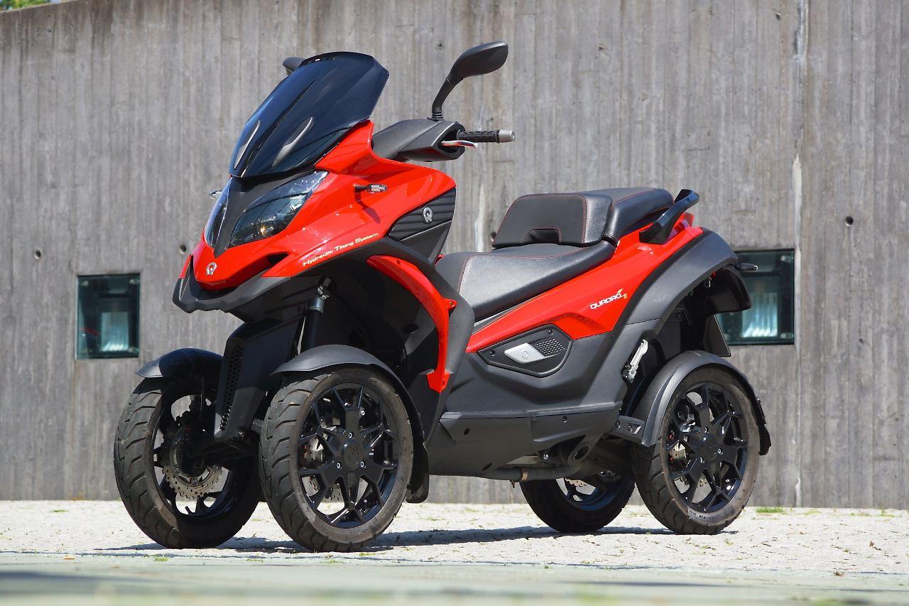 vorne auto hinten motorrad einziger vierrad roller der welt n. Black Bedroom Furniture Sets. Home Design Ideas