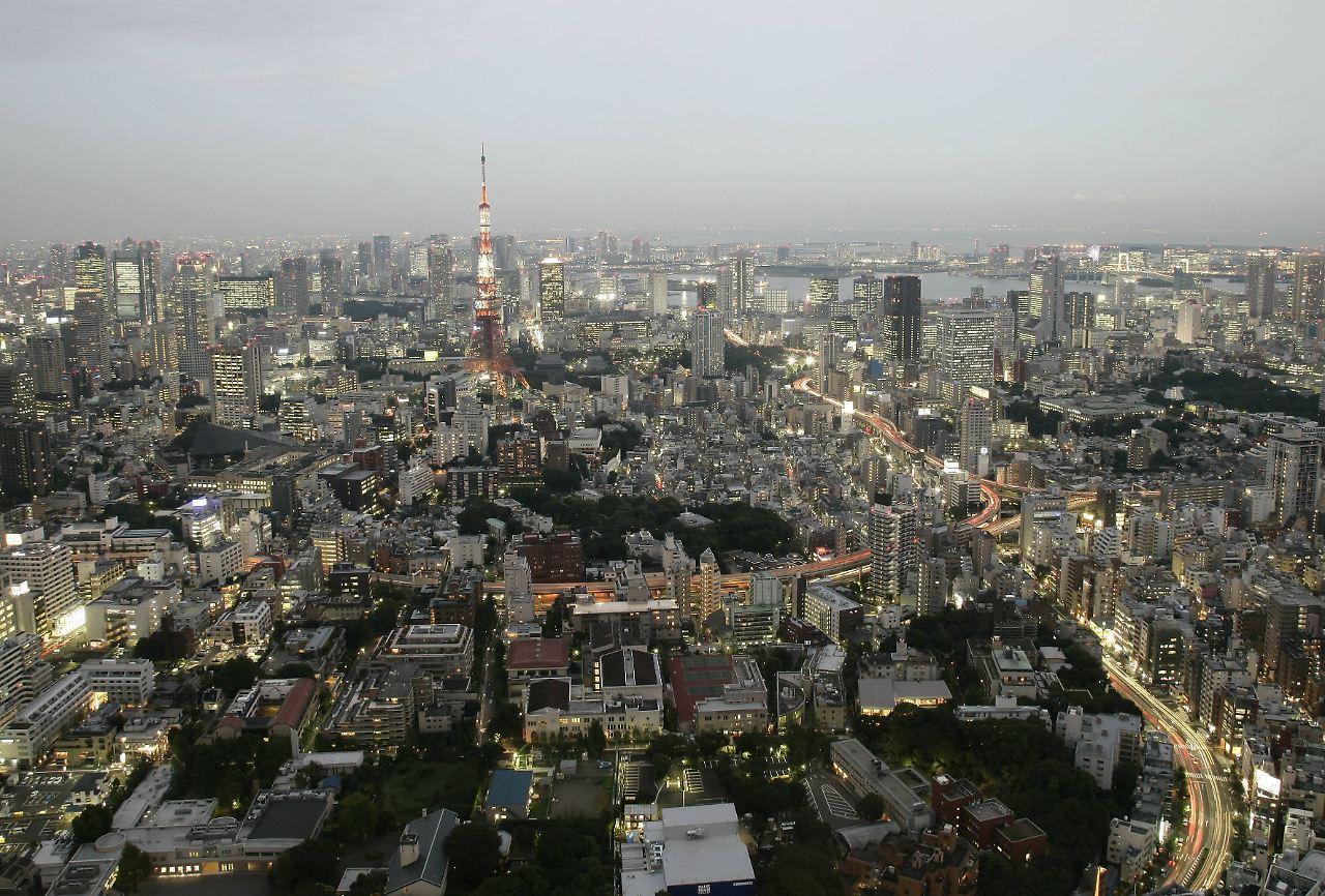 f r pannen bei erdbeben japan will toiletten in aufz ge einbauen n. Black Bedroom Furniture Sets. Home Design Ideas
