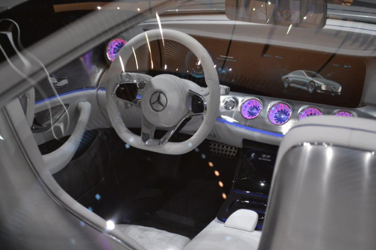 Intelligent Aerodynamic Automobil\