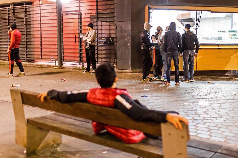 Ähnlich wie die französischen Banlieues gilt der Brüsseler Stadtteil Molenbeek als sozialer Brennpunkt. Der Anteil an Menschen mit Migrationshintergrund ist hoch.