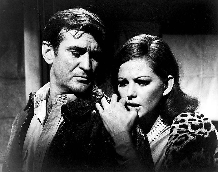 Rod Taylor war offenbar ein Mann, an den sich die Frauen gerne anlehnten: Der australische Schauspieler mit dem markanten Gesicht erlebte den Höhepunkt seiner Karriere in den 1960er-Jahren ...