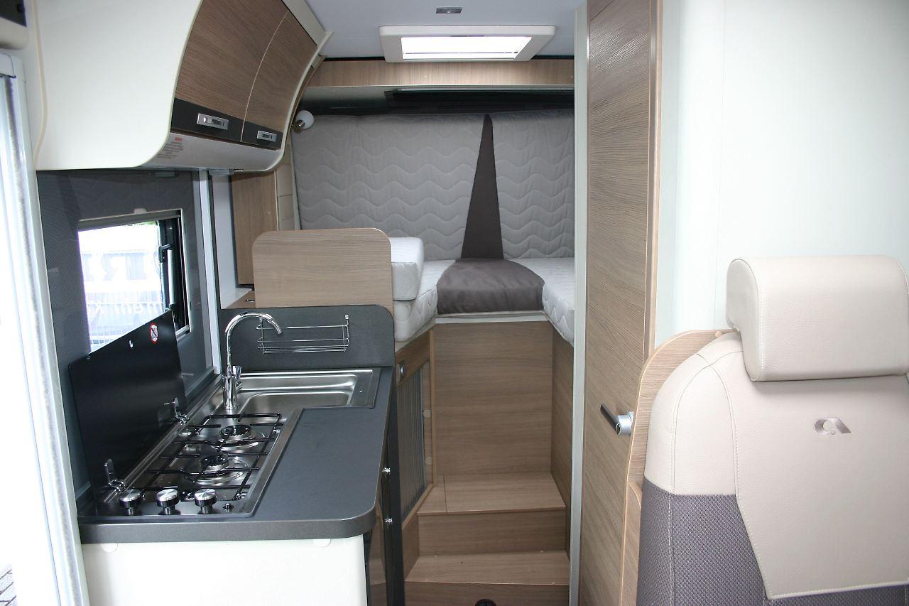 wohnraum per knopfdruck mehr reisemobil mit dem slide out n. Black Bedroom Furniture Sets. Home Design Ideas