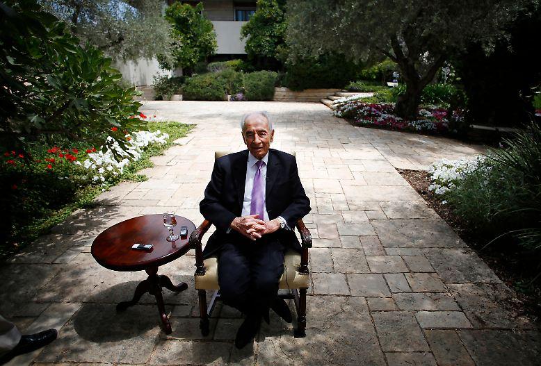 Israel trauert um seinen ehemaligen Präsidenten Schimon Peres. Der Friedensnobelpreisträger starb am Morgen des 28. September im Alter von 93 Jahren. Peres war zweimal Regierungschef, ...