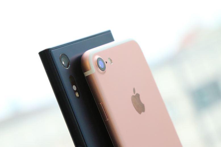 Das Sony Xperia XZ und das iPhone 7 - beides sind Smartphones mit einer tollen Kamera. Aber welche ist besser? n-tv.de hat es ausprobiert.