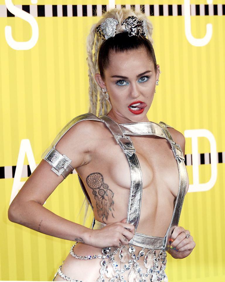 Neue private Nacktfotos von Miley Cyrus aufgetaucht