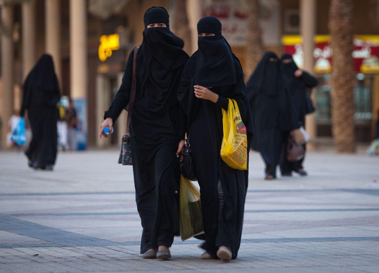 Burka Saudi Arabien