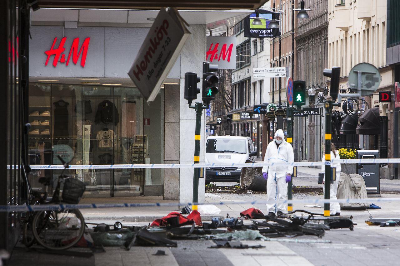 Terroranschlag Twitter: Schweden Trauert Nach Anschlag: Ermittler Rätseln über