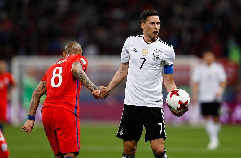 Das junge Perspektivteam von Bundestrainer Joachim Löw stieß mit einem 1:1 (1:1) gegen den technisch und körperlich überlegenen Südamerikameister die Tür zum Confed-Cup-Halbfinale auf.