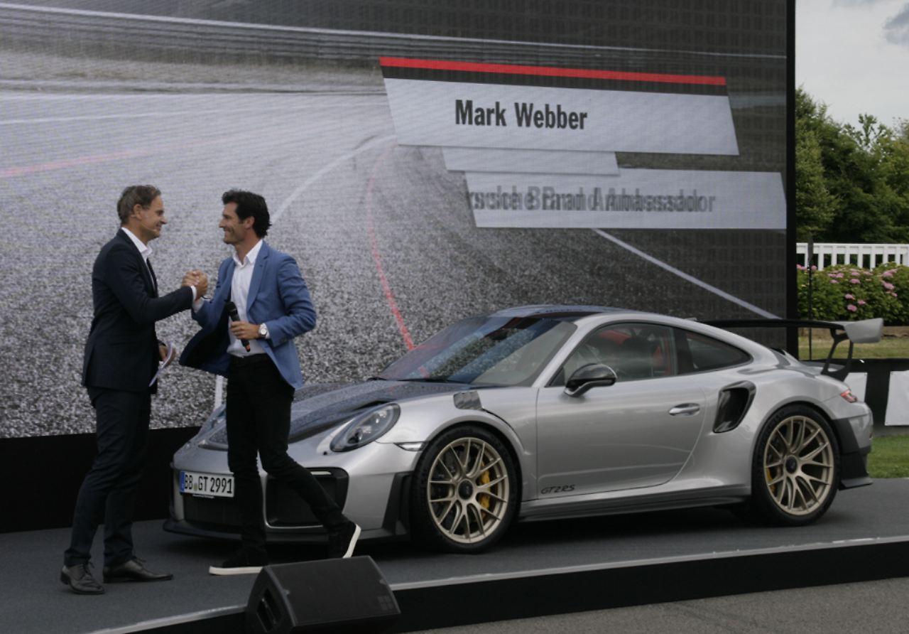 220 Ber Elfer In Goodwood Weltpremiere F 252 R Porsche Gt2 Rs
