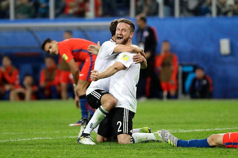 Doch mit viel Leidenschaft schnappte sich Löws Team den Cup im 15. Länderspiel in Folge ohne Niederlage.