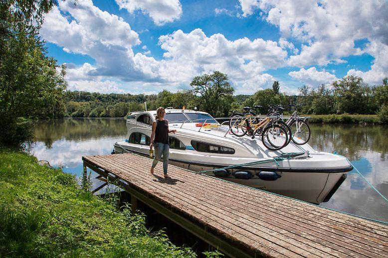Entlang der Petit Saône findet man viele idyllische Anleger wie in Soing.