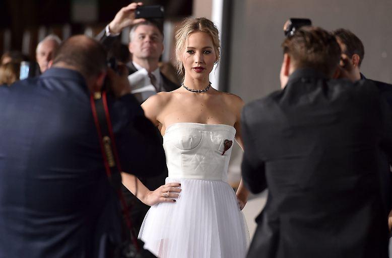 2016 war sie die absolute Spitzenverdienerin unter den Schauspielerinnen: Jennifer Lawrence. Um ihren Kontostand ...
