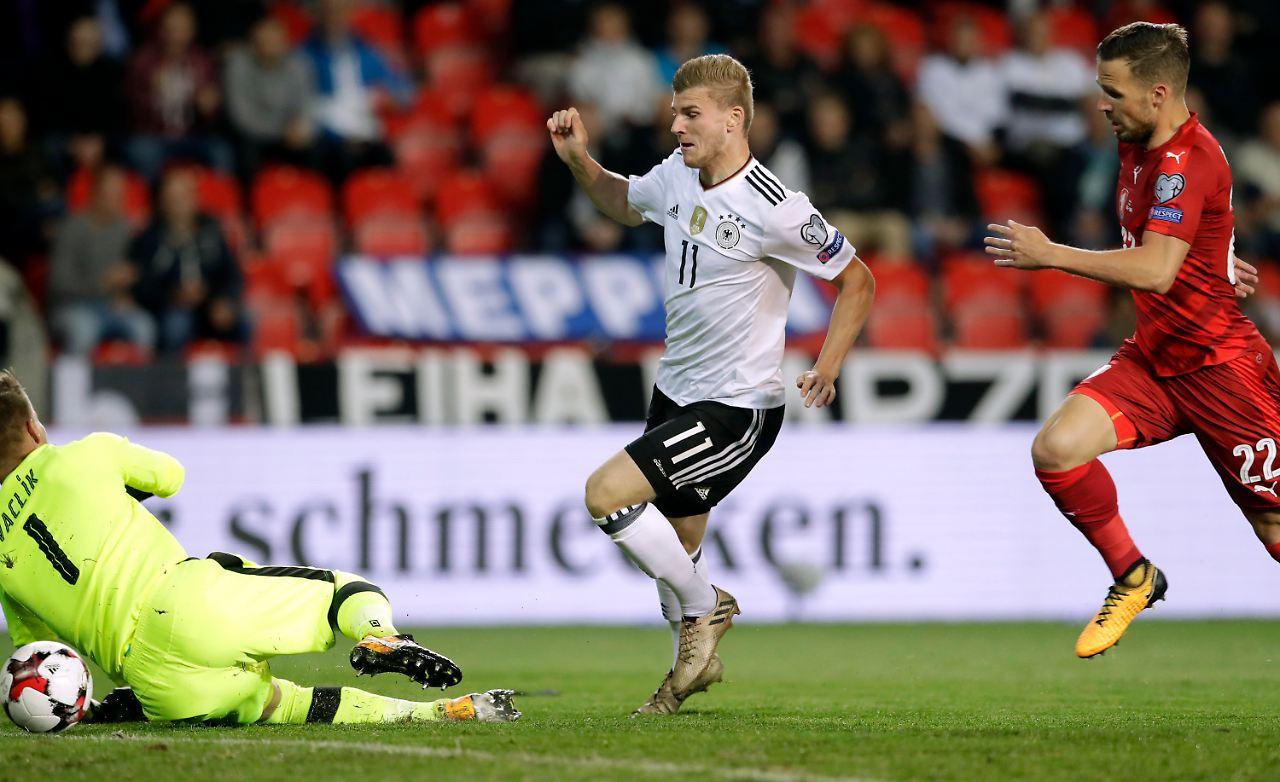 Nationalspieler distanzieren sich von Nazi-Parolen und Werner-Gesängen