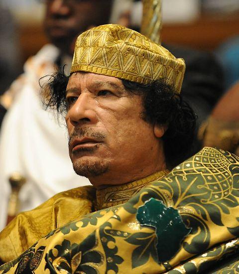 Er hatte sie (fast) alle: Der 2011 verstorbene Muammar al-Gaddafi umgab sich zeitlebens gern mit dem ein oder anderen Weltstar. Wie zum Beispiel ...