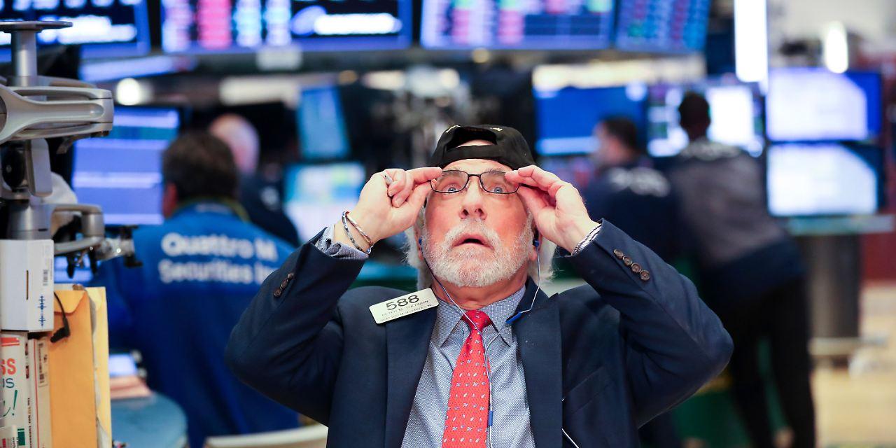 Blaue börse er sucht sie
