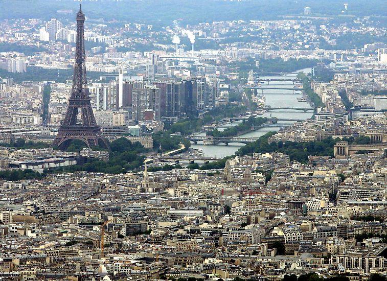 ... Paris ...