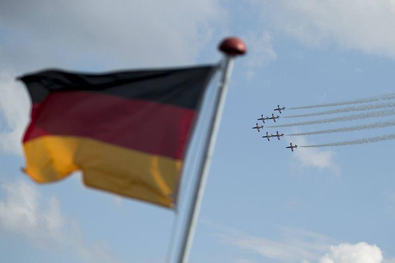 Alle zwei Jahre steigt Deutschland zum Mittelpunkt der internationalen Luft- und Raumfahrtindustrie auf: Die ILA lädt zum großen Branchentreffen nach Berlin-Schönefeld.