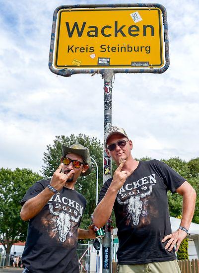 Eigentlich ist Wacken ein beschaulich ruhiges Örtchen in Schleswig-Holstein.