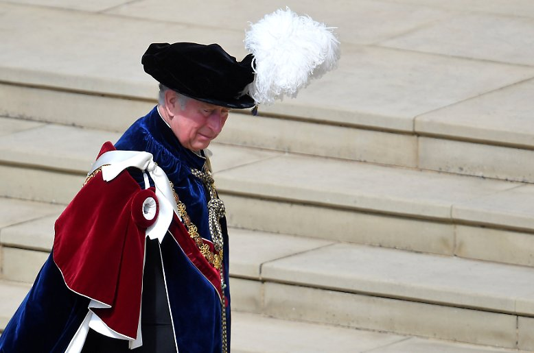 Gestatten: His Royal Highness Charles Philip Arthur George, Prince of Wales and Duke of Cornwall, seit 1952 Thronfolger des Vereinigten Königreiches von Großbritannien und Nordirland.