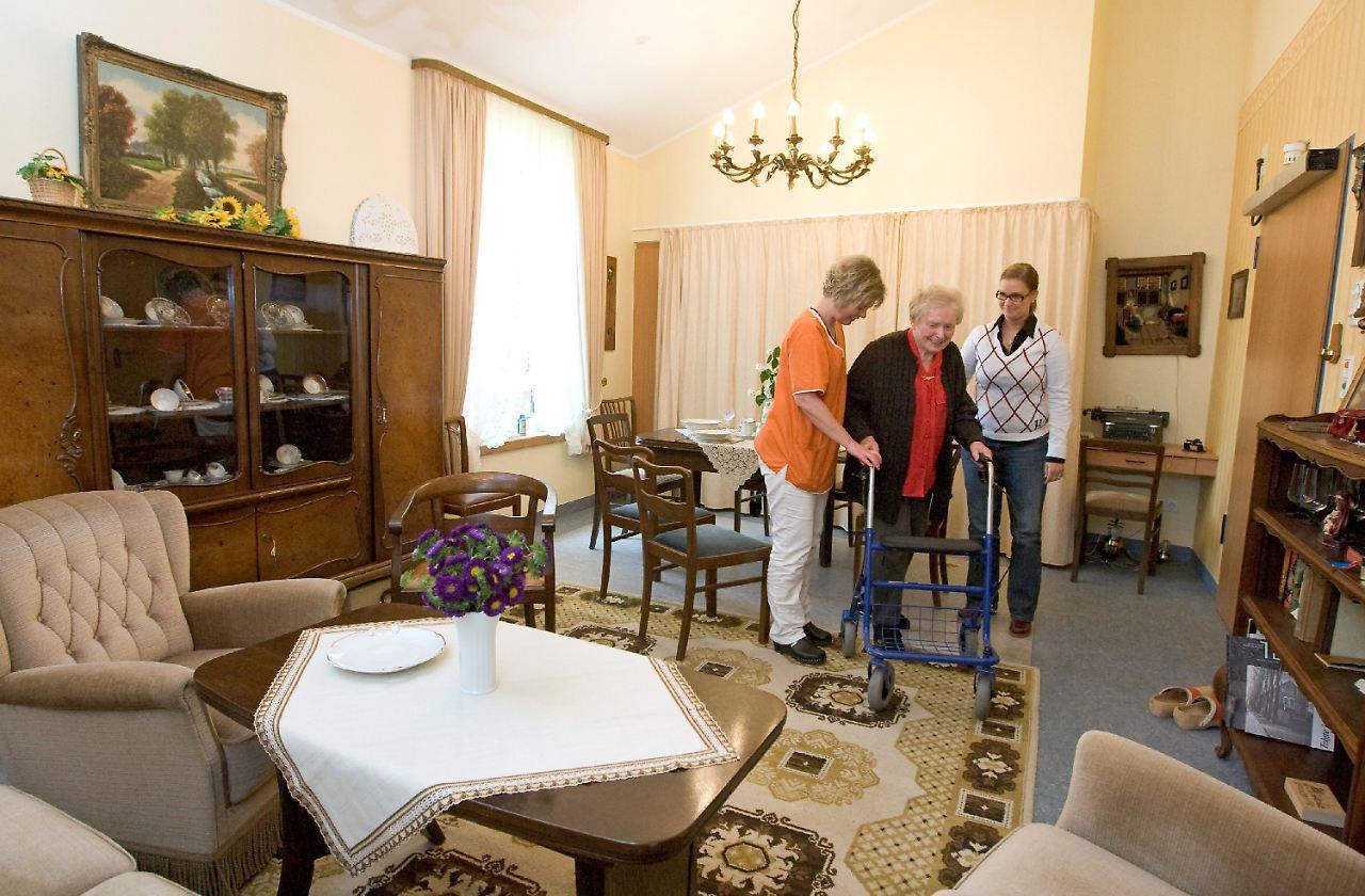 zimmer f r demenz kranke alte m bel wecken erinnerungen n. Black Bedroom Furniture Sets. Home Design Ideas